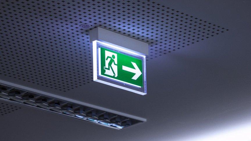 Oprawa kierunkowa wskazująca kierunek ewakuacji